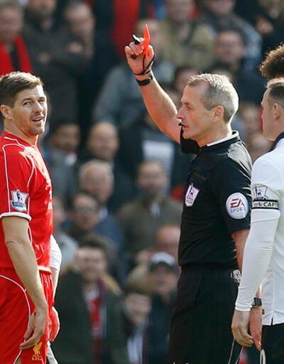 Gerrard'dan 38. saniyede kırmızı kart özrü!