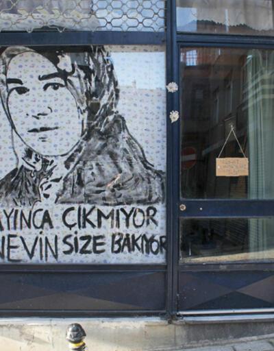 Feminist sanatçılardan Nevin Yıldırım için çarşaflı kampanya
