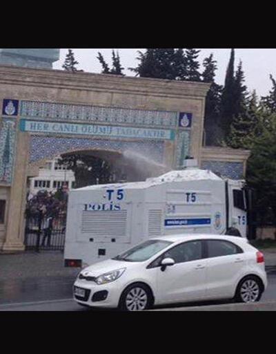 Zincirlikuyu Mezarlığı'na sığınanlara TOMA ile müdahale