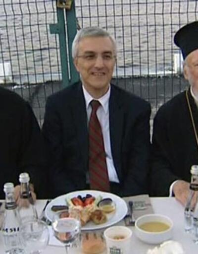 Azınlık cemaat liderleri iftar sofrasında