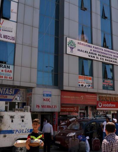 Van'da HDP binasına saldırı iddiası polisi alarma geçirdi