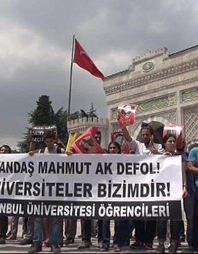 """İstanbul Üniversitesi önünde """"rektör"""" protestosu"""