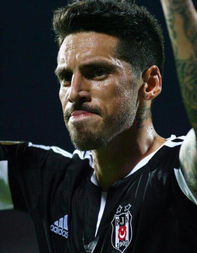Beşiktaş İskenderbey'i tek golle geçti