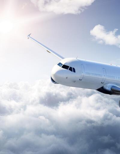 Uçak trafiğine bulut engeli