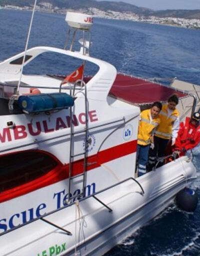 Balıkesir'de bir anne, ikinci çocuğunu da denizde doğurdu