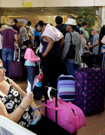 Şarm El Şeyh'te mahsur kalan binlerce İngiliz bavulsuz dönecek