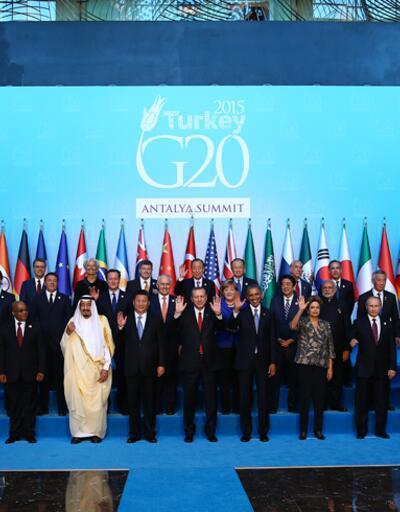 G20'de liderler aile fotoğrafında bir araya geldi