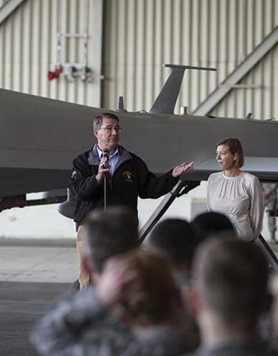 ABD Savunma Bakanı Ashton Carter'dan İncirlik'e sürpriz ziyaret