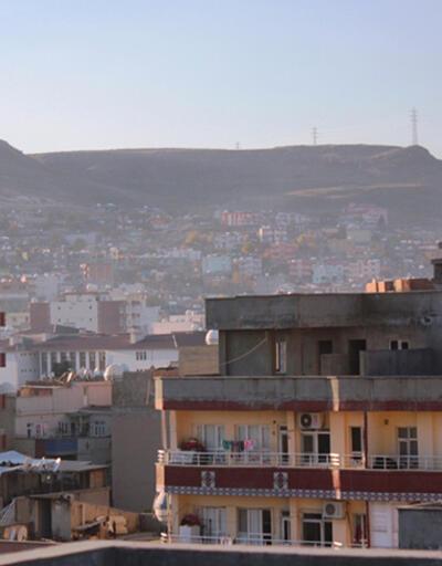 Cizre'de terk edilen evlerde çok sayıda silah bulundu