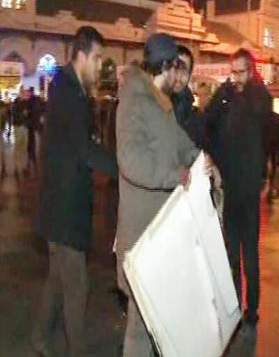 Kadıköy'deki Uludere eyleminde döviz gerginliği