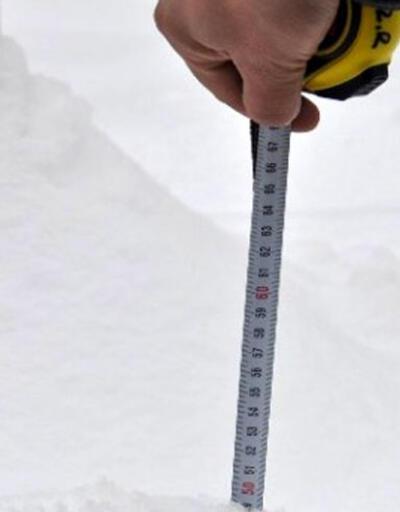 İstanbul'da kar kalınlığı 50 cm'ye ulaştı