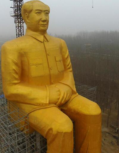 Çin'de Mao'nun altından dev heykeli dikildi