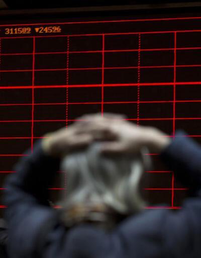 Çin borsasında büyük çöküş: 15 dakika açık kalabildi!