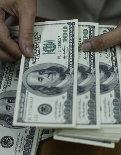 Dolar rekora yaklaşıyor