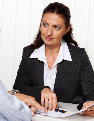 Boşanma davalarında maddi tazminat nedir, nasıl belirlenir?