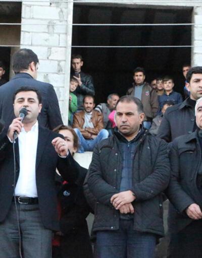 Demirtaş'tan hendek çıkışı: Öcalan'ın mesajıyla çözülür