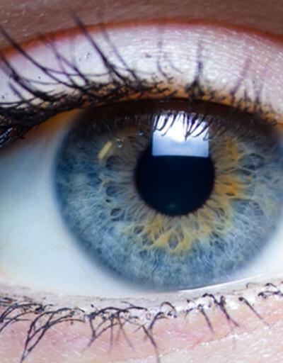 """Akıllı telefonların yorduğu gözlerinizi """"üç 20 kuralı"""" ile koruyun"""