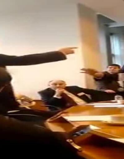 """Aşırı sağcılar """"Türk azınlığının hakları"""" toplantısını bastı"""