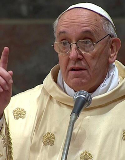 Papa: Dünya, silah tüccarlarına diz çöktü