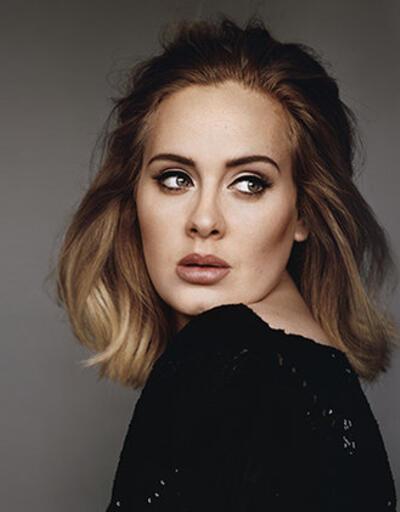 Adele'in fotoğrafları hacklendi!