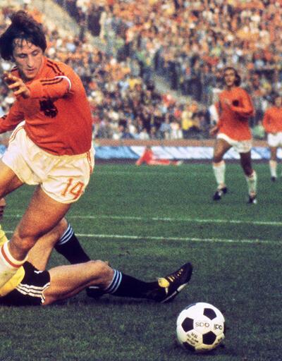 Yeşil sahalarda bir futbol efsanesi: Johan Cruyff