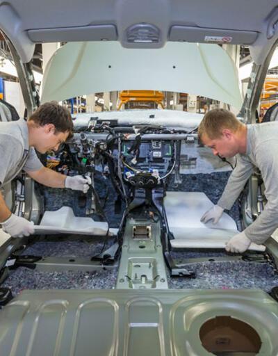 Rus otomobil devinin zararı arttı