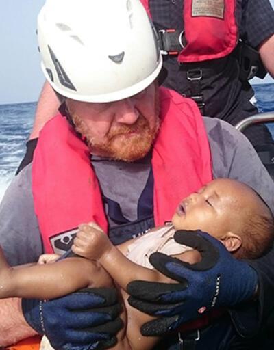 Akdeniz'de batan mülteci teknesinden bir bebeğin cansız bedenine ulaşıldı
