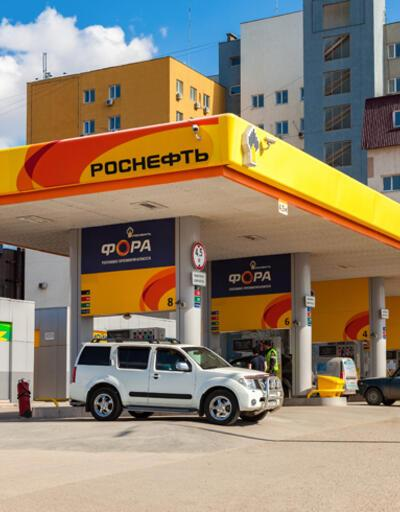 Rus petrol devi Rosneft yüzde 75 eridi