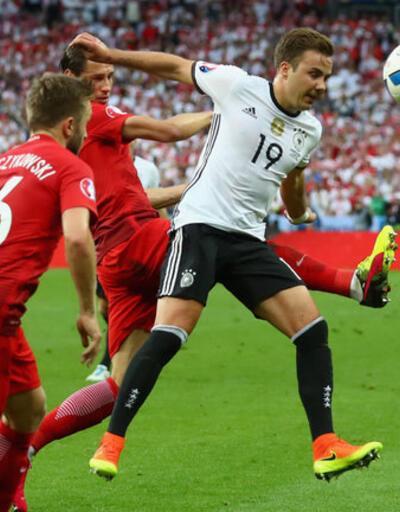 Almanlar Mario Götze'yi tartışıyor