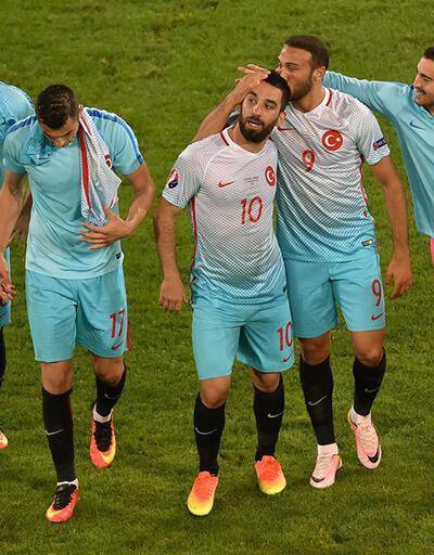 Türkiye'nin o tweet'i Euro 2016'da ilk 10'a girdi