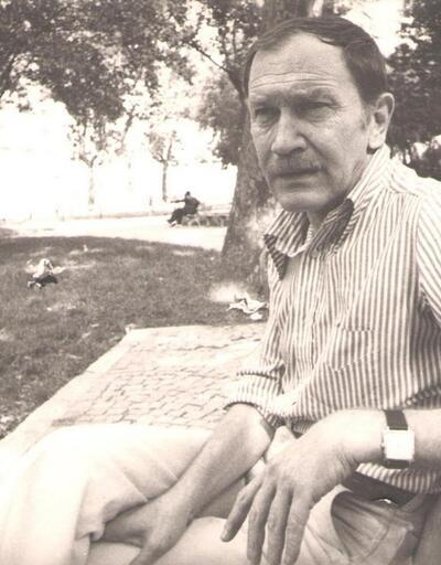 Şair Turgut Uyar 4 Ağustos'ta doğdu - Acıyor şiirinin sahibi Turgut Uyar kimdir?