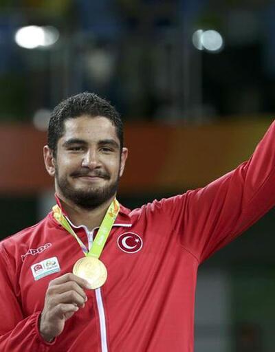 Rio'da ilk altın madalya Taha Akgül'den