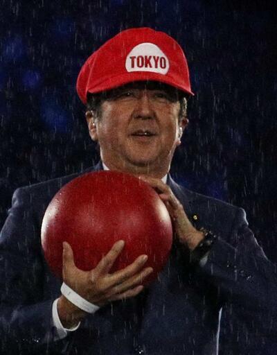 Japonya Başbakanı Süper Mario oldu