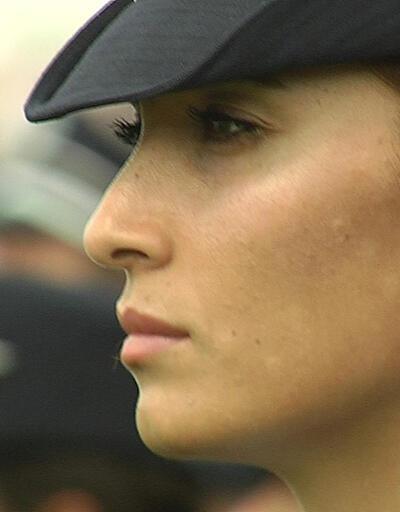 Kadın polisler artık başörtüsü takabilecek