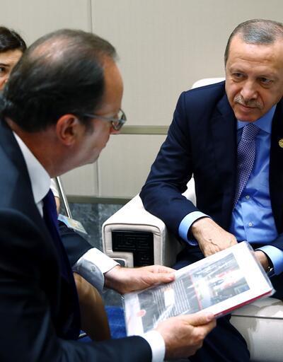 Erdoğan'dan Fransa Cumhurbaşkanı'na 15 Temmuz kitabı
