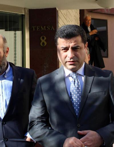 Cumhuriyet Gazetesine Demirtaş'tan destek