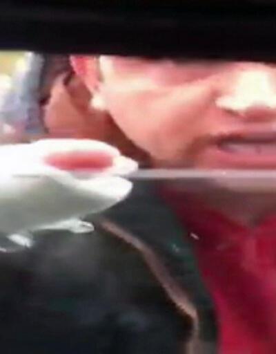 Trafikte kadın sürücüye taciz ve tehdit kamerada