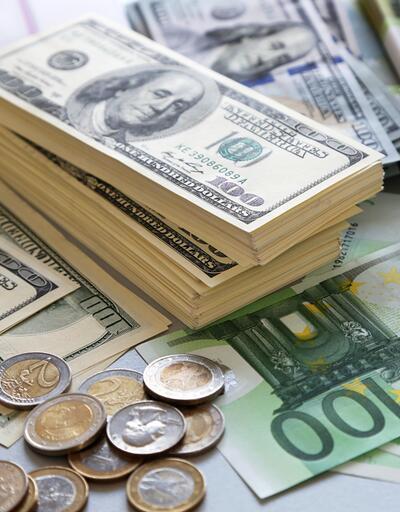 Dolar ve euro rekorlar kırmaya devam ediyor