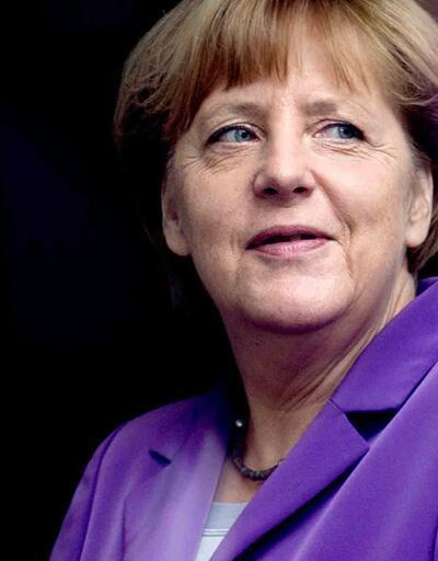 Merkel'den eşcinsel haklarına yeşil ışık
