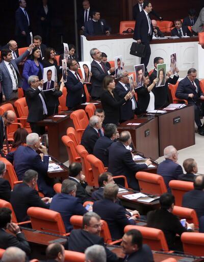 Devlet Bahçeli, boş HDP sıralarını böyle inceledi