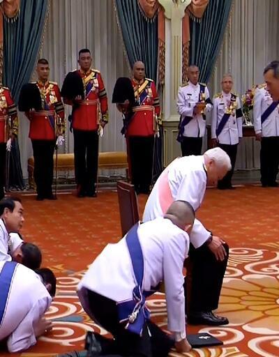 Tayland'ın yeni kralını böyle selamladılar