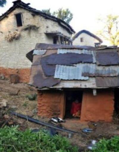Nepal'de regl olduğu için kulübeye kapatılan çocuk öldü