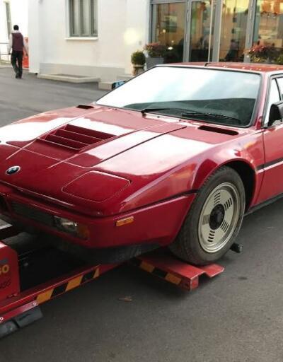 34 yıl garajda unutulmuş BMW bulundu