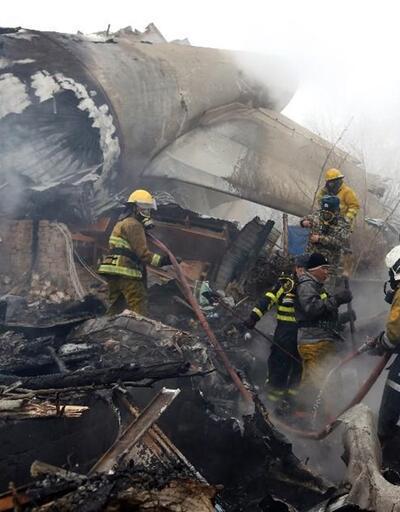 Bişkek'te düşen uçağın kara kutusu enkazdan çıkarıldı