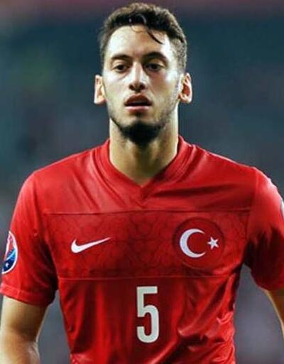 Hakan Çalhanoğlu Milan'dan ayrılıyor... İşte yeni takımı