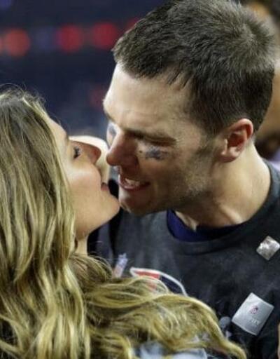 Victoria's Secret meleği Super Bowl'a damga vurdu