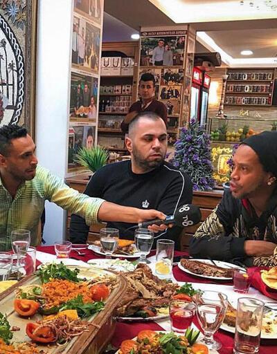 Ronaldinho Türkiye'den ayrıldı