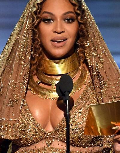 Beyonce sahne aldı, sosyal medya yıkıldı