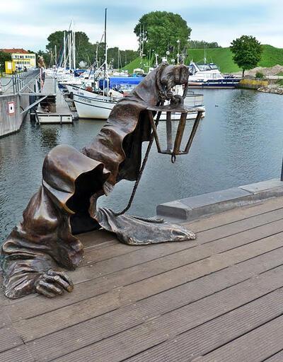 Sanatın hakkını veren heykeller