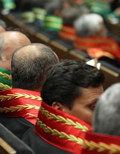 Son dakika... FETÖ'den 1004 hakim-savcı ile 68 vali-kaymakama soruşturma
